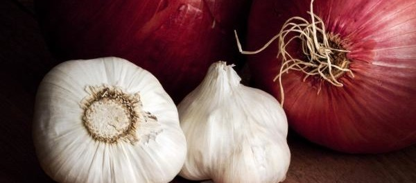 garlic-and-onions in Hair Loss